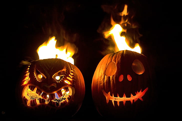 Pumpkin carving ideas 2020 with Dark House